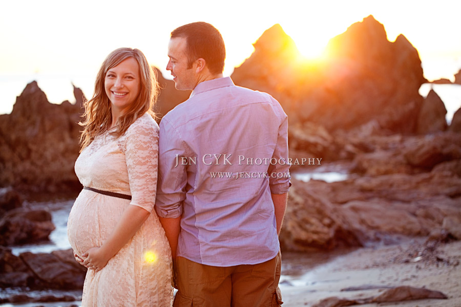 Beach Couples Maternity Pictures (8)