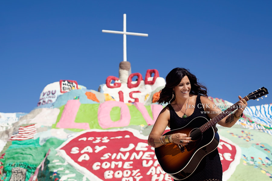 Salvation Mountain Girl Guitar (10)