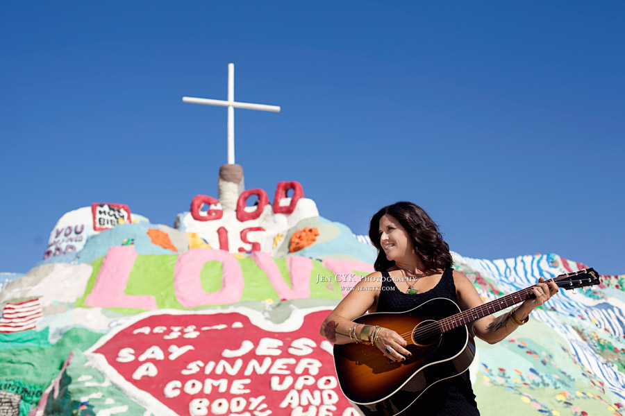 Salvation Mountain Girl Guitar (9)