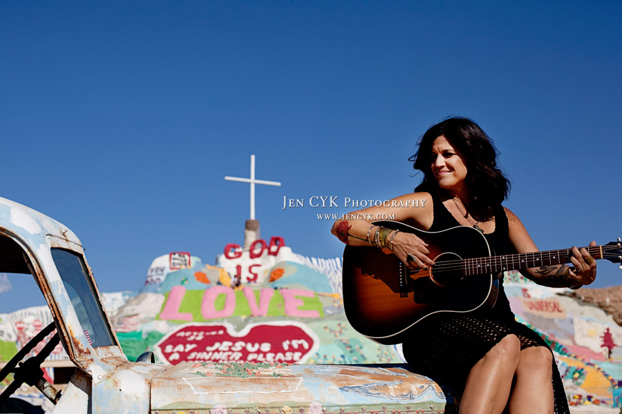 Salvation Mountain Girls Guitar (5)