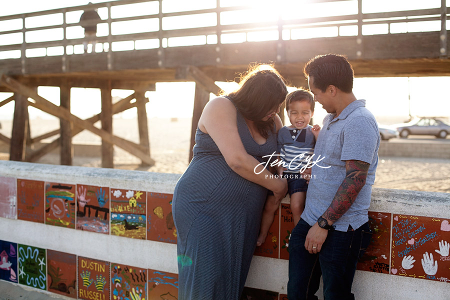Seal Beach Pier Maternity Pics (15)