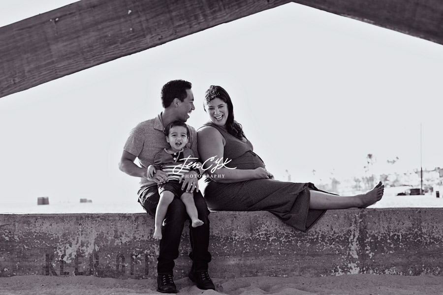 Seal Beach Pier Maternity Pics (8)
