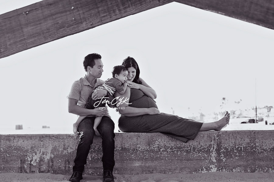 Seal Beach Pier Maternity Pics (9)
