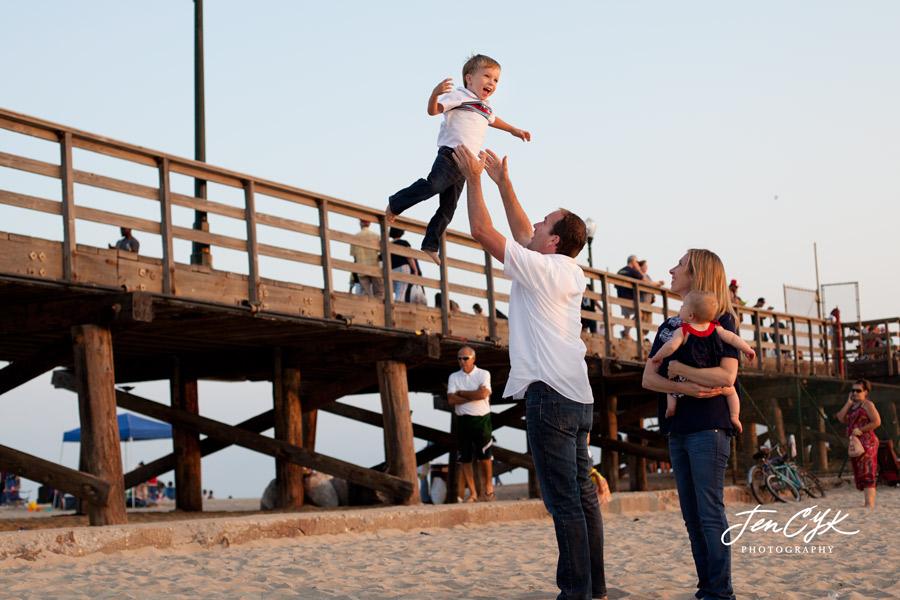 seal-beach-pier-family-pics-9